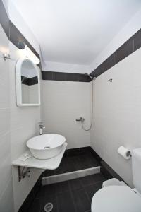 Karboni Hotel, Penziony  Mykonos - big - 32