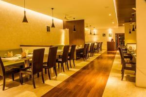 Gayathri Hotels, Отели  Tiruppūr - big - 6