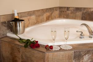 King Suite with Whirlpool - Accessible