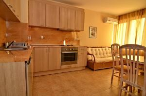 Velena Apartments, Apartments  Kranevo - big - 16