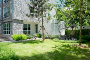 The courtyard Khaoyai by Sithadee, Apartments  Mu Si - big - 13