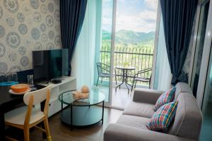 The courtyard Khaoyai by Sithadee, Apartments  Mu Si - big - 18