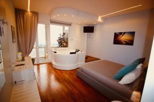 Guesthouse il Grattacielo Sul Golfo - AbcAlberghi.com