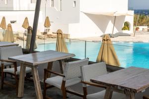 Poseidon Hotel Suites (8 of 66)