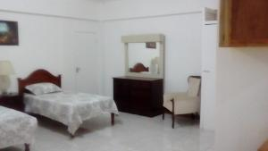 Csompó Square one apartment, Bed and Breakfasts  Bantam Spring - big - 40