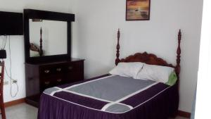 Csompó Square one apartment, Bed and Breakfasts  Bantam Spring - big - 50