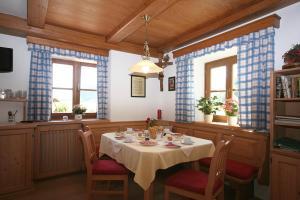 Schlossmayrhof, Farmházak  Sankt Gilgen - big - 9
