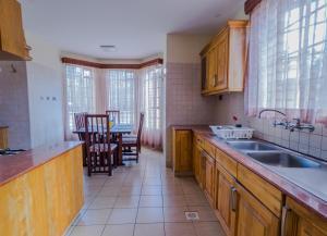 The Cottage Guest House Gigiri, Guest houses  Nairobi - big - 69