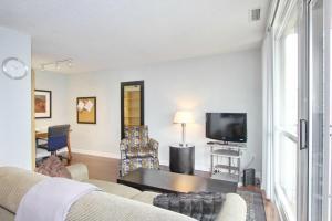 Pelican Suites at North York, Apartmány  Toronto - big - 43