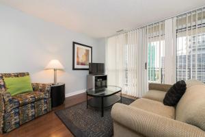 Pelican Suites at North York, Apartmány  Toronto - big - 41