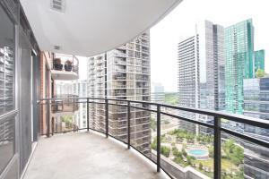 Pelican Suites at North York, Apartmány  Toronto - big - 40