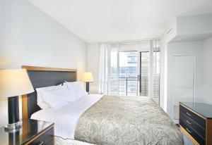Pelican Suites at North York, Apartmány  Toronto - big - 20