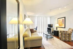 Pelican Suites at North York, Appartamenti  Toronto - big - 47