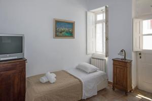 Erato Traditional Town House