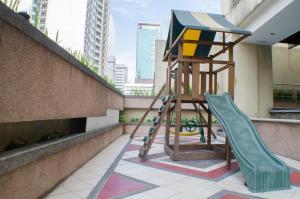 Short Term Rentals Makati Parkplace, Apartmanok  Manila - big - 81
