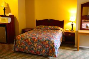 Queen Room with Three Queen Beds