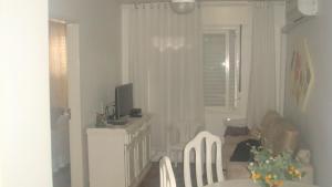 403 Apto. para 4 pessoas proximo ao Shopping Londoia, Appartamenti  Porto Alegre - big - 5