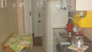 403 Apto. para 4 pessoas proximo ao Shopping Londoia, Apartmány  Porto Alegre - big - 7