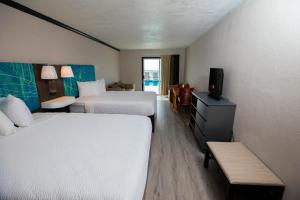 Deluxe Double Room with Balcony - Ocean Front View