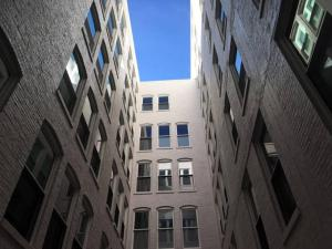 Two Bedroom Apartment - Historic Building near Riverwalk, Апартаменты  Милуоки - big - 36