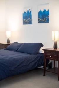 Two Bedroom Apartment - Historic Building near Riverwalk, Апартаменты  Милуоки - big - 40