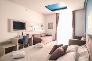 Toledo 16 Luxury Suites - AbcAlberghi.com