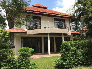 4 Bedroom Villa on beachfront resort (TG33)