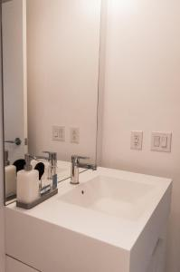 N2N Suites - Downtown City Suite, Ferienwohnungen  Toronto - big - 52