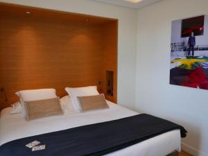 Hotel Marignan Champs-Elysées, Отели  Париж - big - 63