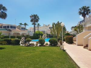 Apartments Miraflores III, Apartmány  Playa Flamenca - big - 28