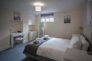 1 Willows Apartment