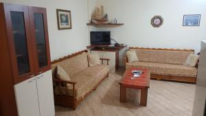 Casa vista a mare, Apartments  Durrës - big - 1
