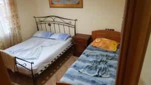 Casa vista a mare, Apartments  Durrës - big - 8