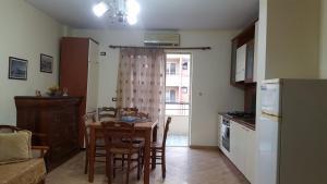 Casa vista a mare, Apartments  Durrës - big - 10