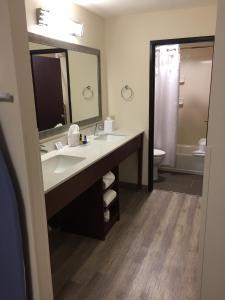 Best Western Plus Portland Airport Hotel & Suites, Hotels  Parkrose - big - 28