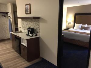 Best Western Plus Portland Airport Hotel & Suites, Hotels  Parkrose - big - 30