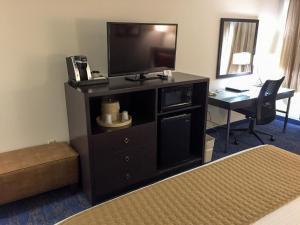 Best Western Plus Portland Airport Hotel & Suites, Hotels  Parkrose - big - 50