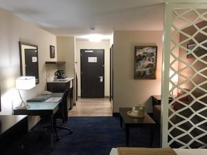 Best Western Plus Portland Airport Hotel & Suites, Hotels  Parkrose - big - 55