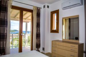 Blue Angels Villa, Vily  Skiathos Town - big - 24