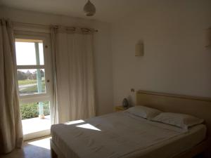 Club Paradisio Apartment 2 Bedrooms, Apartmanok  Gurdaka - big - 3