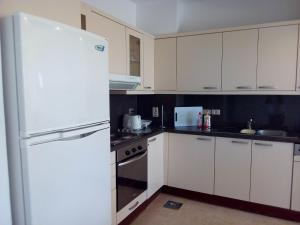 Club Paradisio Apartment 2 Bedrooms, Apartmanok  Gurdaka - big - 5