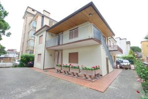 Adriatica Immobiliare - Aquileia 139 - AbcAlberghi.com