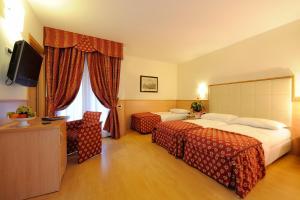 Club Hotel e Residence La Vela, Szállodák  Nago-Torbole - big - 9