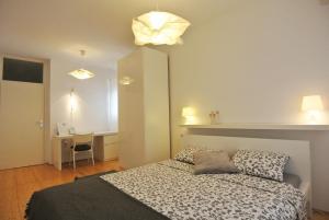 Apartment Sofia, Apartments  Banjole - big - 34
