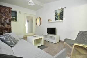 Apartment Sofia, Apartments  Banjole - big - 27