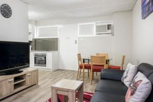 Celina's Ocean View Studio, Apartments  Fremantle - big - 17