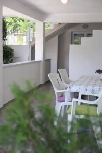 Apartment Diana with swimming pool in Brela, Apartmány  Brela - big - 64