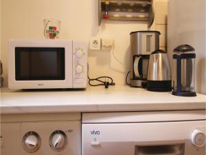 Three-Bedroom Holiday Home in La Chapelle Sur Dun, Prázdninové domy  La Chapelle-sur-Dun - big - 10