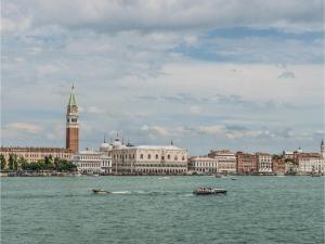 Casa Santa Ternita - AbcAlberghi.com