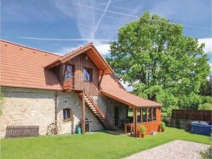4 star namas Four-Bedroom Holiday Home in Rybniky Rybníky Čekija